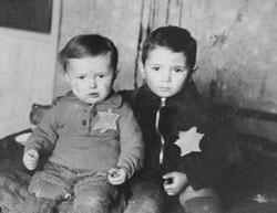 A yellow star to identity a Jew